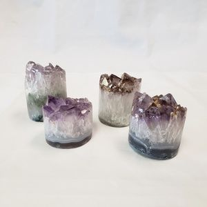Crystal-Alter Desk Amethyst Cylinder Crystal